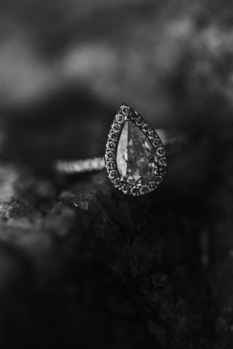29-Wausau-Wisconsin-Rib-Mountain-Engagement-Photos-James-Stokes-Photography