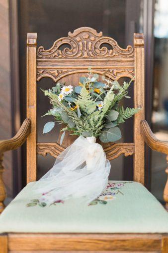 31-Wisconsin-Home-Yard-Wedding-Photos-James-Stokes-Photography