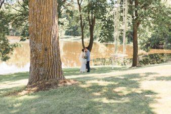 35-Wisconsin-Home-Yard-Wedding-Photos-James-Stokes-Photography