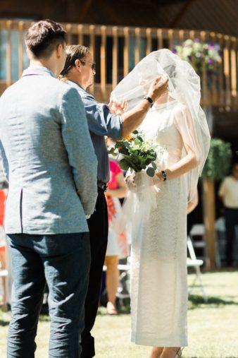 46-Backyard-Home-Bohemian-Wisconsin-Wedding-Photos-James-Stokes-Photography