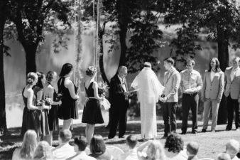 50-Backyard-Home-Bohemian-Wisconsin-Wedding-Photos-James-Stokes-Photography