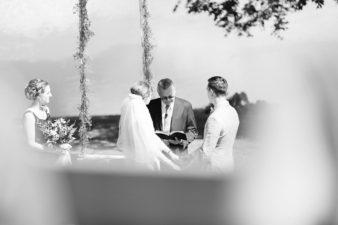 53-Backyard-Home-Bohemian-Wisconsin-Wedding-Photos-James-Stokes-Photography