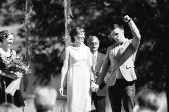 54-Backyard-Home-Bohemian-Wisconsin-Wedding-Photos-James-Stokes-Photography