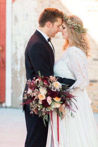 eastern-wisconsin-rustic-barn-wedding-photos-glitter-florals-61