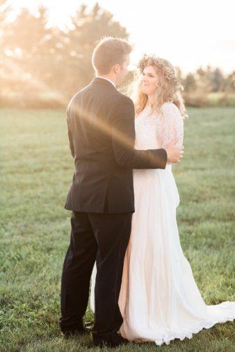 eastern-wisconsin-rustic-barn-wedding-photos-glitter-florals-67