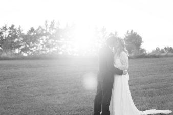 eastern-wisconsin-rustic-barn-wedding-photos-glitter-florals-68