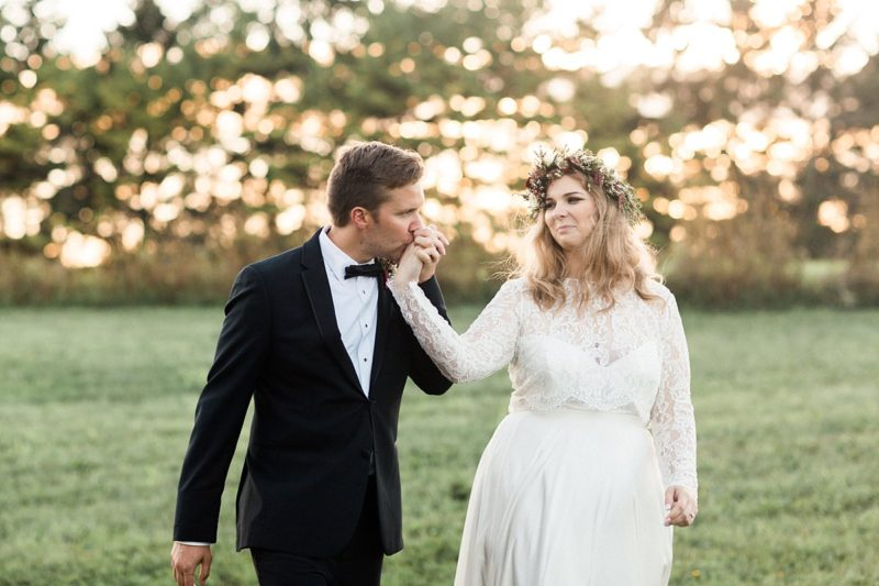 eastern-wisconsin-rustic-barn-wedding-photos-glitter-florals-70