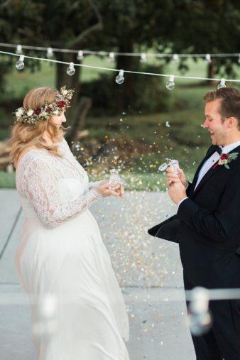 eastern-wisconsin-rustic-barn-wedding-photos-glitter-florals-71