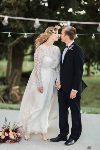 eastern-wisconsin-rustic-barn-wedding-photos-glitter-florals-73