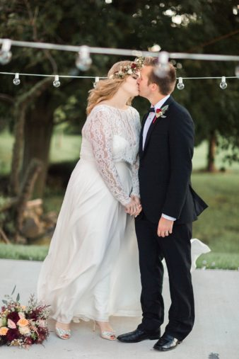 eastern-wisconsin-rustic-barn-wedding-photos-glitter-florals-75