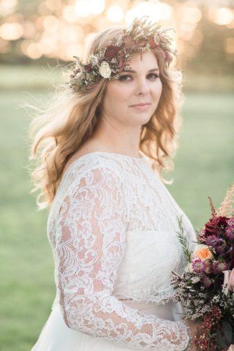 eastern-wisconsin-rustic-barn-wedding-photos-glitter-florals-79