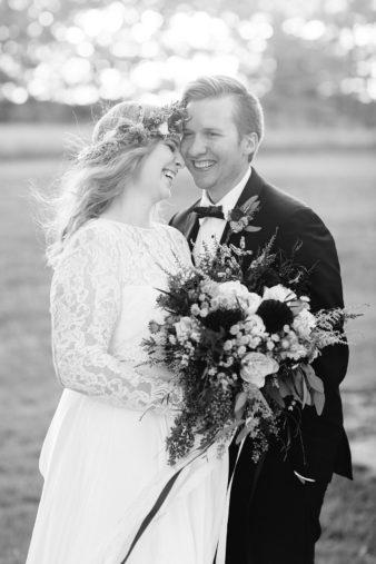 eastern-wisconsin-rustic-barn-wedding-photos-glitter-florals-80