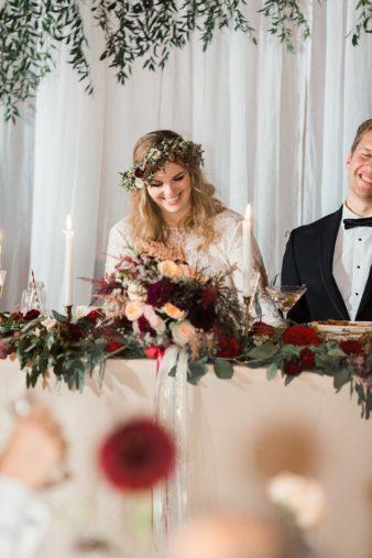 eastern-wisconsin-rustic-barn-wedding-photos-glitter-florals-87
