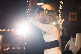 eastern-wisconsin-rustic-barn-wedding-photos-glitter-florals-92