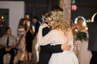 eastern-wisconsin-rustic-barn-wedding-photos-glitter-florals-94