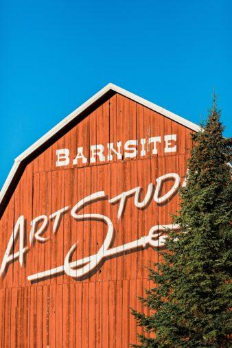 barnsite-retreat-events-center-barn-loft-wedding-photos-01