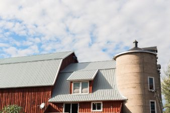 barnsite-retreat-events-center-barn-loft-wedding-photos-02