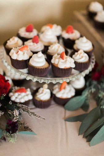 barnsite-retreat-events-center-barn-loft-wedding-photos-12