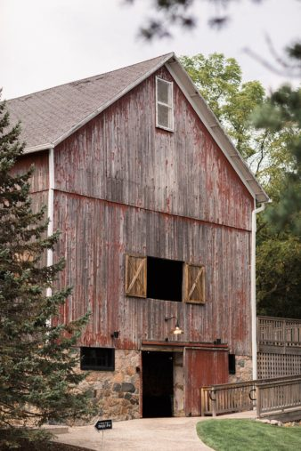 007-the-farm-at-dover-wisconsin-farm-wedding-venue-photos-james-stokes-photography