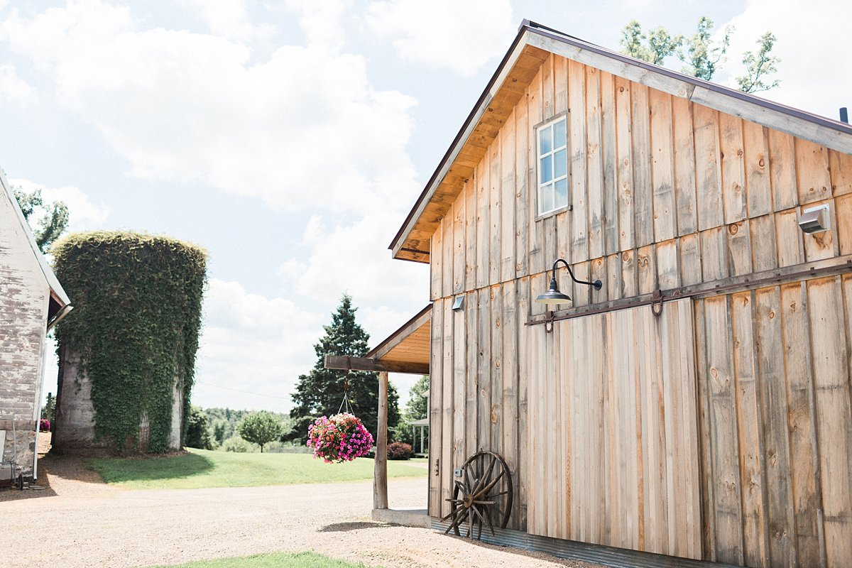 021-munson-bride-winery-outdoor-yard-wedding-farm-venues-wisconsin-james-stokes-photogrpahy