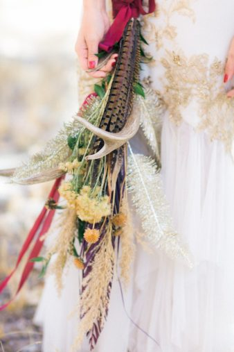 01-Rustic-Antler-Bouquet-Ideas-Inspiration-Photo