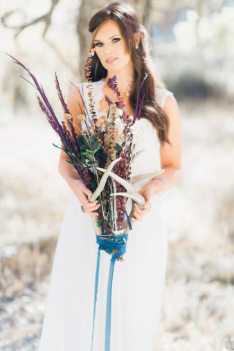 05-Rustic-Antler-Bouquet-Ideas-Inspiration-Photo