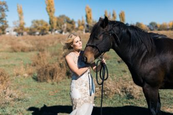 50-Rustic-Adverterous-Bride-with-Horse-Utah-Wedding-Destination-Photographer