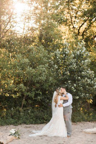 113-Milwaukee-Lake-Michigan-Lakeside-Wedding-Photos-on-Beach-James-Stokes-Photography