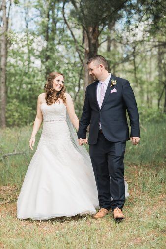16-Northern-Wisconsin-Wedding-Venues-Heartwood-Conference-Center-Retreat-Trego-WI-Wedding-James-Stokes-Photography