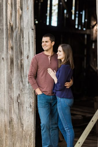 04-Central-Wisconsin-Farm-Engagement-photos-James-Stokes-Photography