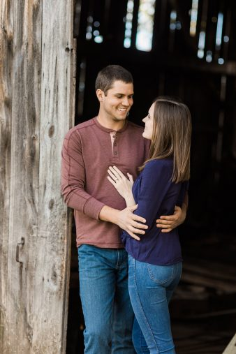 05-Central-Wisconsin-Farm-Engagement-photos-James-Stokes-Photography