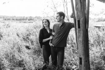 09-Central-Wisconsin-Farm-Engagement-photos-James-Stokes-Photography