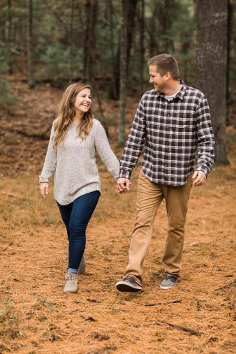 10-Pine-tree-rustic-Central-Wisconsin-Fall-Engagement-Photos-James-Stokes-Photography