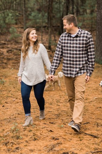 11-Pine-tree-rustic-Central-Wisconsin-Fall-Engagement-Photos-James-Stokes-Photography