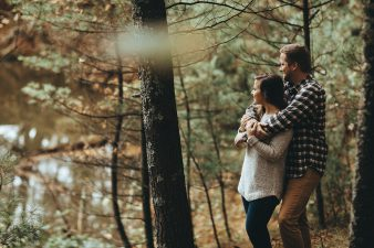 12-rustic-vintage-canoe-engagement-photos-on-riverJames-Stokes-Photography