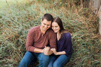 13-Central-Wisconsin-Farm-Engagement-photos-James-Stokes-Photography