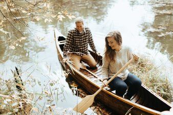 14-rustic-vintage-canoe-engagement-photos-on-riverJames-Stokes-Photography