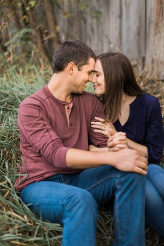 15-Central-Wisconsin-Farm-Engagement-photos-James-Stokes-Photography