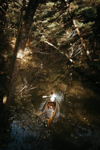 18-rustic-vintage-canoe-engagement-photos-on-riverJames-Stokes-Photography