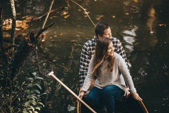 19-rustic-vintage-canoe-engagement-photos-on-riverJames-Stokes-Photography