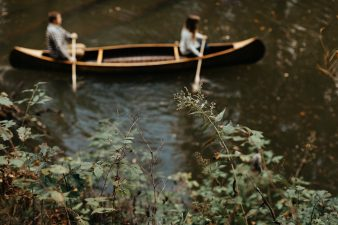 22-rustic-vintage-canoe-engagement-photos-on-riverJames-Stokes-Photography