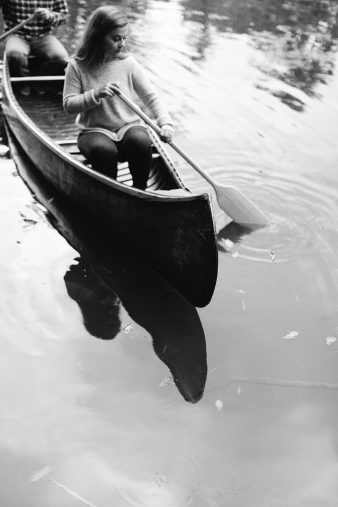 24-rustic-vintage-canoe-engagement-photos-on-riverJames-Stokes-Photography