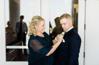 41_Lake-Michigan-Eastern-Wisconsin-The-Waters-Oshkosh-Wisconsin-Wedding-James-Stokes-Photography