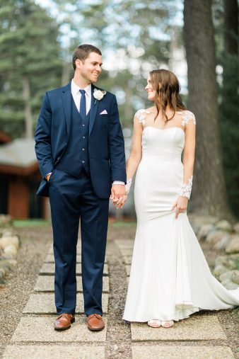 67-Lakeside-Wisconsin-Weddings-Chippewa-Retreat-Resort–James-Stokes-Photography-