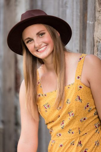 Farm-Style-Senior-Photos-Rustic-Outdoor-_James-Stokes-Photography-23_photo