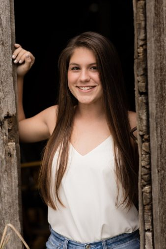 Marshfield-Rustic-Senior-Photographer_James-Stokes-Photography-26_photo