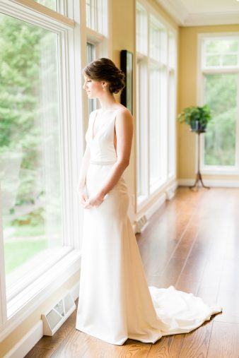 007-natural-light-bridals-at-home_Rock-Ridge-Orchard-Wedding_James-Stokes-Photography-