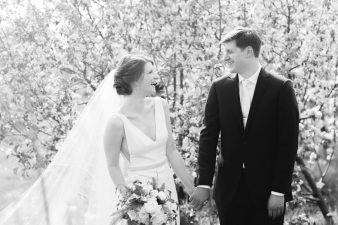 043-Spring-Barn-_Rock-Ridge-Orchard-Wedding_James-Stokes-Photography-