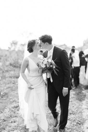 047-Spring-Barn-_Rock-Ridge-Orchard-Wedding_James-Stokes-Photography-