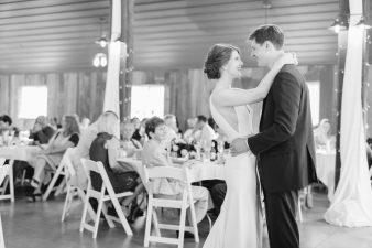049-Barn-Reception_Rock-Ridge-Orchard-Wedding_James-Stokes-Photography-